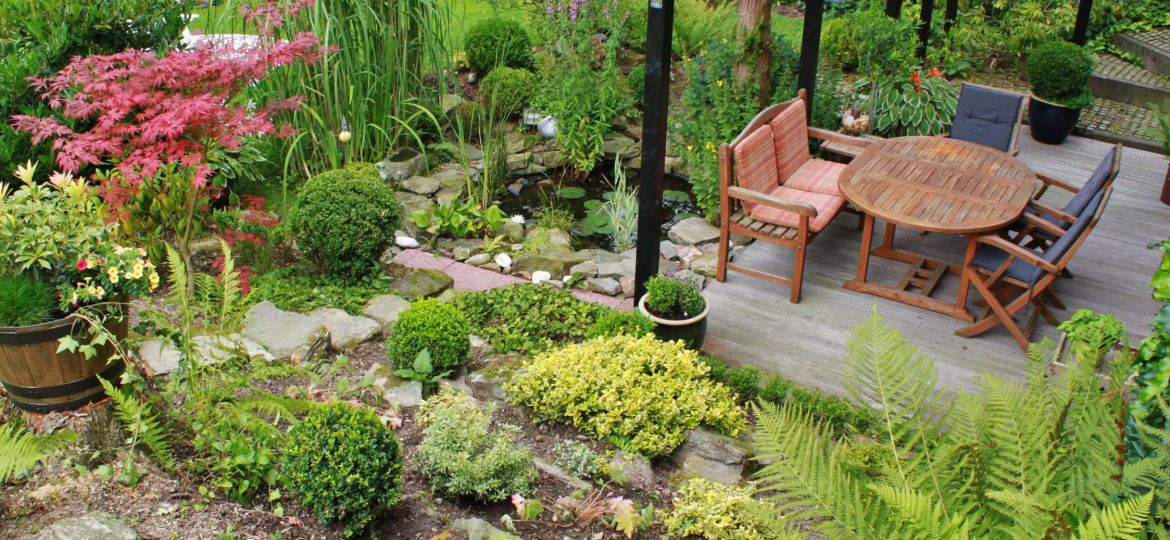 table-plant-lawn-flower-pond-cottage-939595-pxhere.com